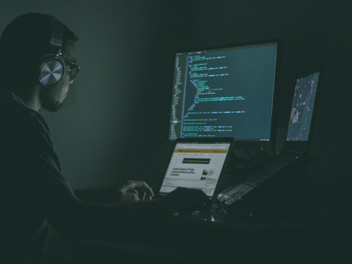 Почти терроризм: США объявили войну хакерам