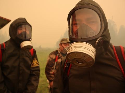 Якутия в огне и дыме. Пожары подбираются к ГЭС, а местным жителям нечем дышать