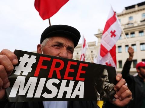 Грузия митингует за Саакашвили. Что происходит?